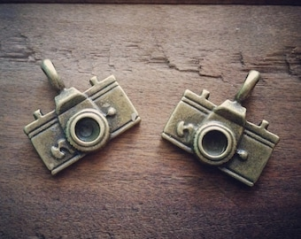 6 Pcs Large Camera Charms Antique Bronze Camera Charm Photography Charm Photo Charm Vintage Style Pendant Jewelry Supplies (BC139)