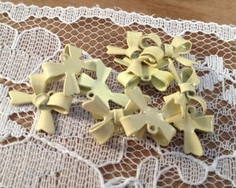 8 - Bow Charms, LIGHT YELLOW Enamel Coated Brass, Small Bow Tie, Vintage Jewelry Supplies X042