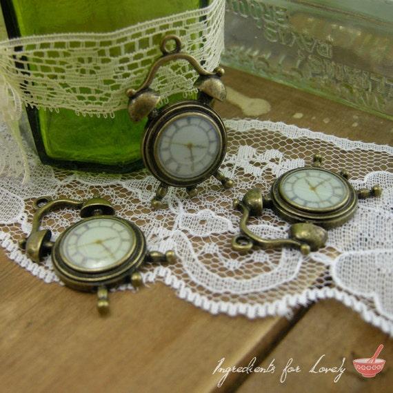 Alarm Clock Charms Antique Bronze Clock Charm Small Alice in Wonderland Charm Watch Vintage Style Pendant Charm Jewelry (B008)