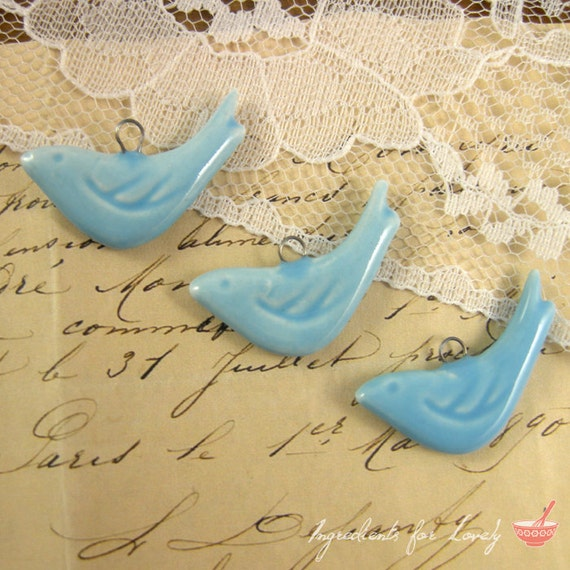 4 - Bird Charms, LIGHT BLUE Porcelain, Small Bird, Vintage Jewelry Supplies (P030)