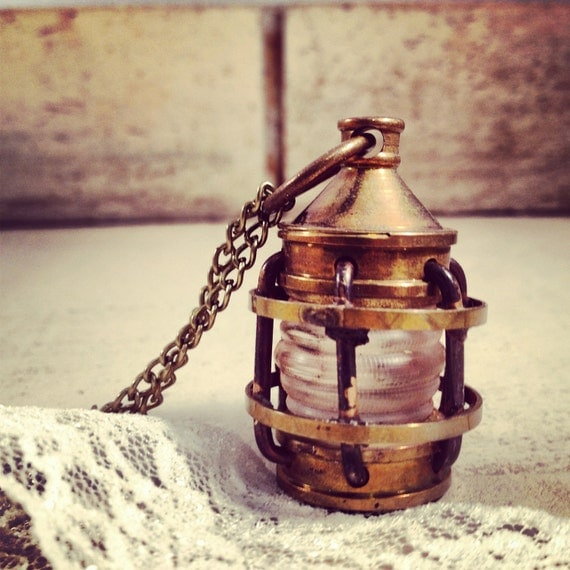 1 pc Vintage Style Lantern Pendant Charm Necklace Nautical Antique Brass Bronze CHAIN INCUDED (BA029)