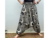 Chic Pants...Cream and Black...Cotton
