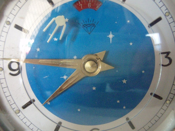 Vintage space alarm clock - Cream with a blue starry face.