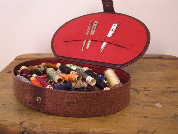 Vintage box of Silk Threads - Brown vinyl box filled with a rainbow of threads - Embroidery Threads