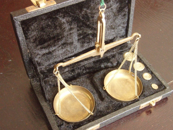RESERVED - Vintage scales - Brass scales and weights in a little black box