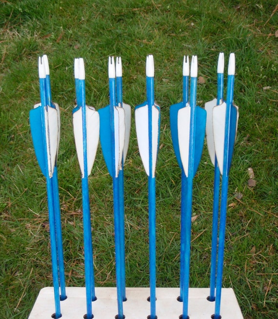 Traditional Youth Archery Arrows, good up to 25lb, dozen arrows, traditional wood archery arrows