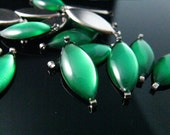 10 pcs 17mm Olive Shaped Translucent Emerald Green Enamel silver tone base connector links.