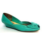 Vintage 9 WEST Aqua Bow Cut out Wedges 7.5