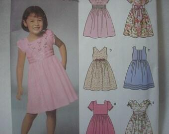 Simplicity 5704 Childrens Fashion Dresses