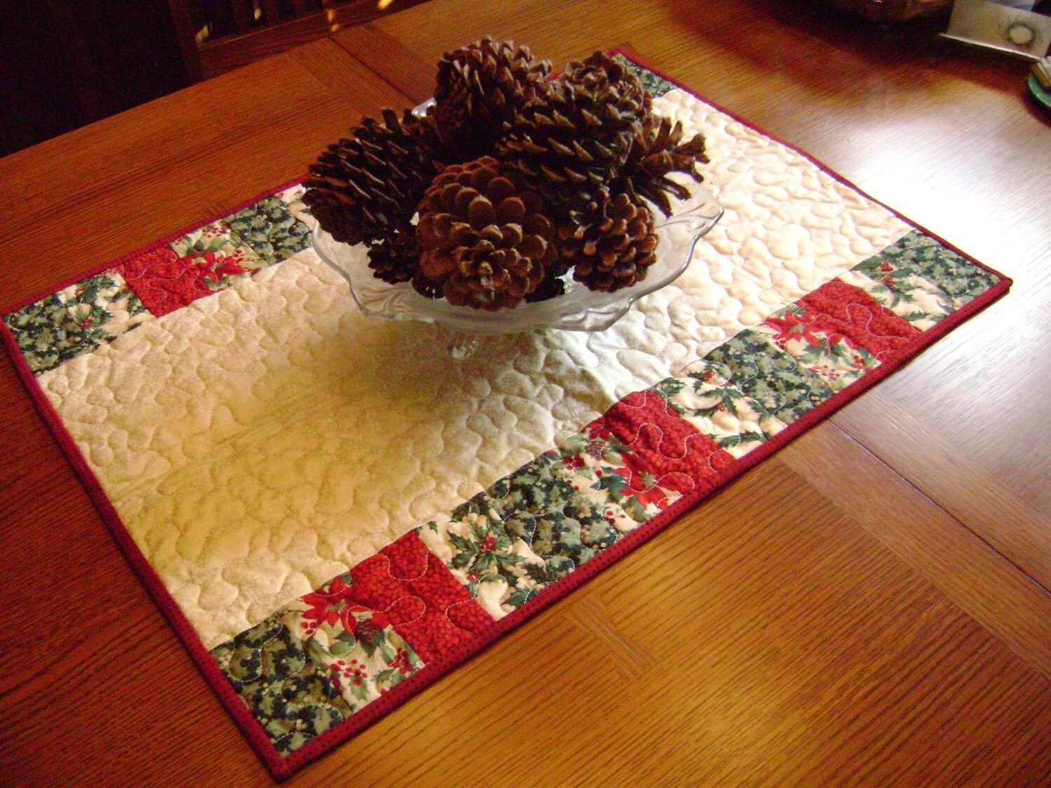 Quilted Christmas Table Runner By Cynthiabdesigns On Etsy