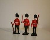 Crescent Plastic Toy Soldiers, 3 Guardsmen & 2 Ceremonial