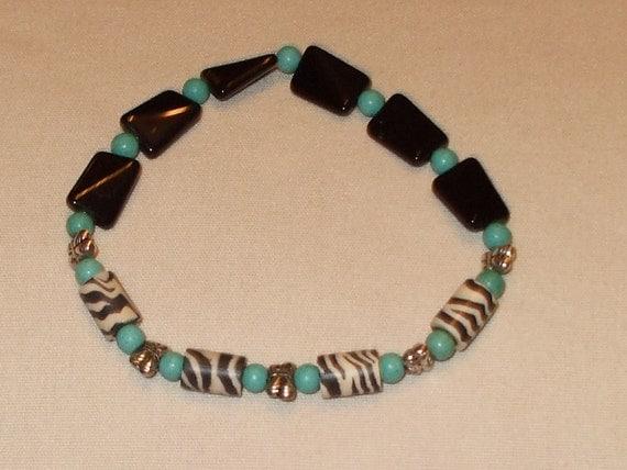 Zebra print stretch bracelet