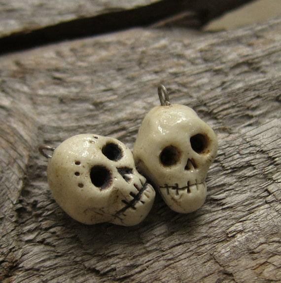 Pretty little skull beads she and him detailed porcelain