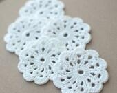 Set of 5 crochet flower appliques White Birthday party Decoration Wedding Embellishment Christmas decoration