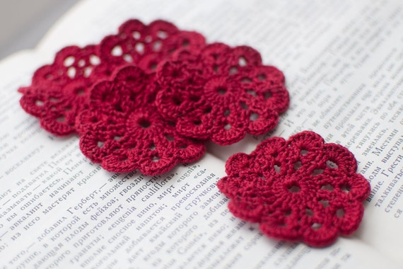 Set of 5 crochet flower appliques Wine red Birthday Decoration Embellishment Wedding