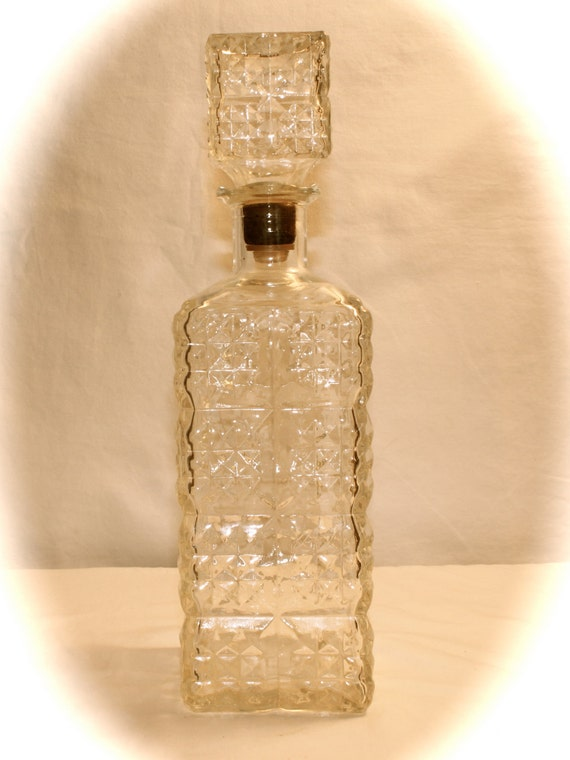 how to use a whiskey decanter