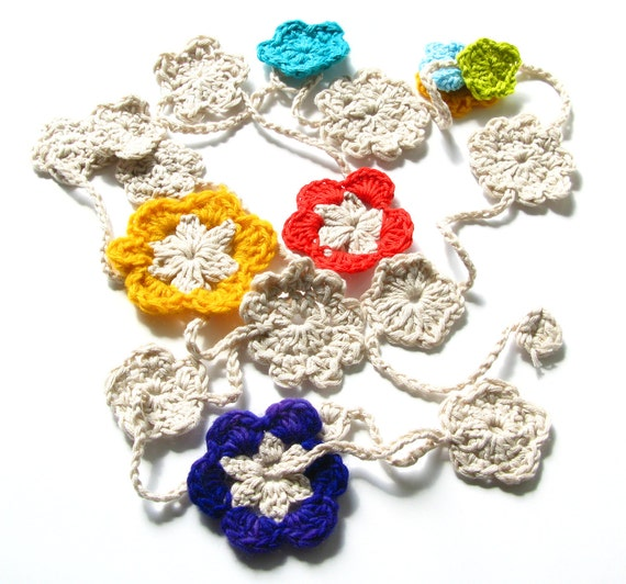 Crocheted Happy Hippy Flower Chain - cream and six colors