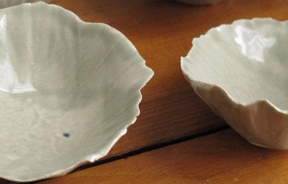 SALE! 25% OFF -- Celadon Small Seashell-like Bowls (NN)