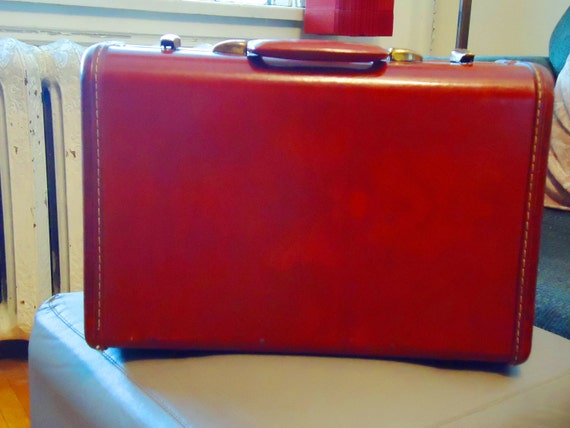 Small Samsonite brown leather suitcase 1950s