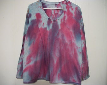 Hand-dyed long sleeved v-neck tee, size 16W