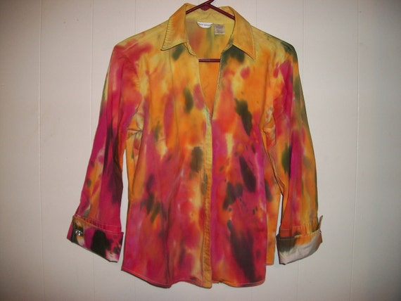Hand-dyed shirt with three quarter length sleeves, size L
