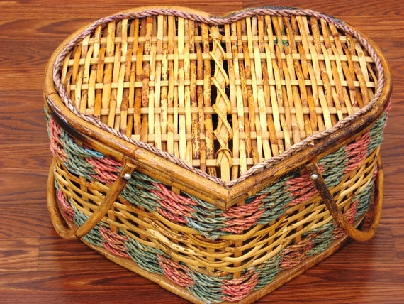 Heart Shaped Bamboo Wood Vintage Picnic Basket for photography prop or home decor