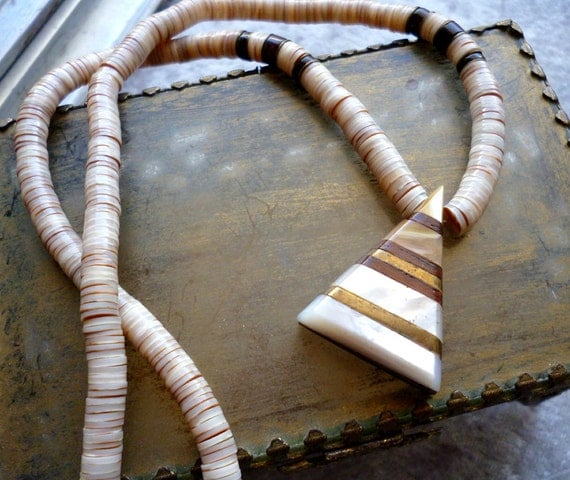 25% Off Vintage Puka Shell and Mother of Pearl Necklace - Surfer Chic