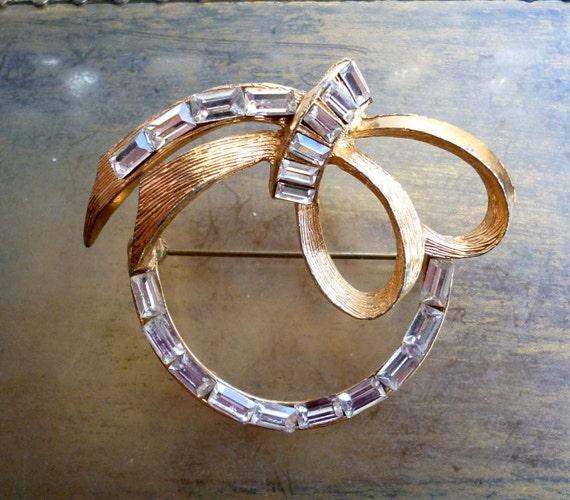 Vintage Art Deco Gold Rhinestone Brooch 1940s Pin - Wedding Bridal Bow and Circle