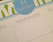 Trellis pattern, personalized desk calendar