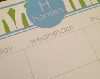 Trellis pattern, personalized desk calendar