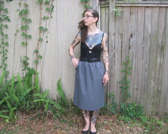 Vintage // Gray Skirt with Pockets // High Waisted Grunge Glam // Size 12 medium Grey