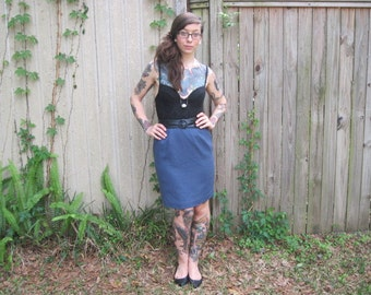 Vintage // Mad Men Blue High Waist Skirt // Size 4 // Pure wool