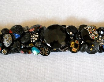 Black Ice Vintage Button Bracelet