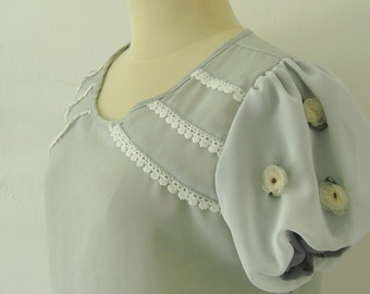 Lovely Flowers on sleeve - Cutie Top in Light Gray color