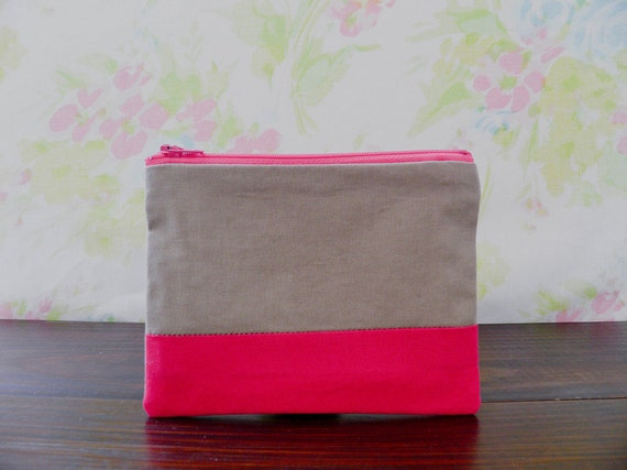 "Small zipper pouch 4,7""X6"" geometry color block hot pink camel"