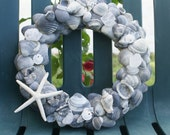 Blue seashell wreath - Beachcomber Bling