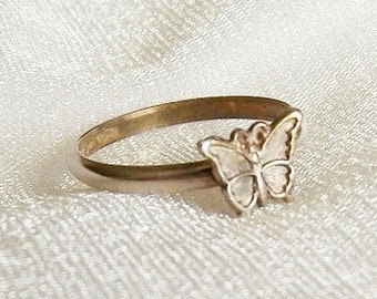 Vintage Sterling Silver Ring with Butterfly - Size 5 1/4 - B1003c