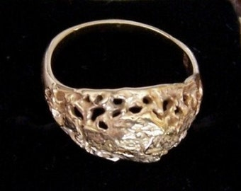 Vintage Ring w/ Placer Gold Flakes, 14K Gold Ring Size 7 - OOAK - D0013