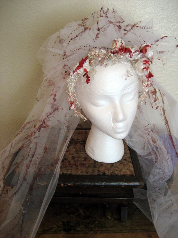 Blood Splattered Wedding Veil.  Vintage Upcycled. Zombie Bride, Dead Bride, Psycho, Vampire Costume