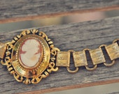 Lovely Vintage Victorian Style Authentic Shell Cameo Bracelet