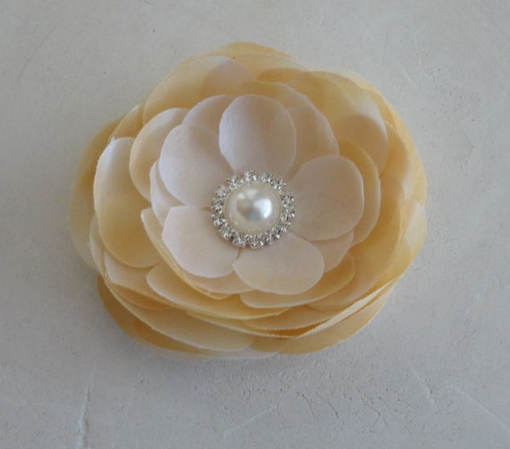 Ivory and Beige Flower Fascinator Hair Clip with Pearl Rhinestone Center for Women, Teens, and Girls
