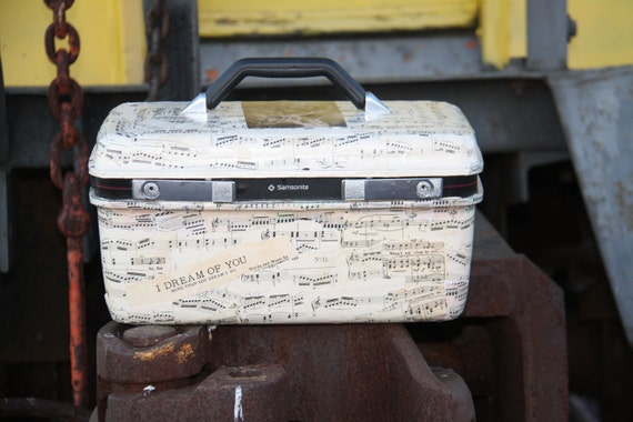 Upcycled Vintage Train Case with Key