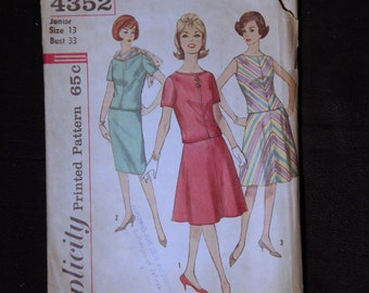 1950's Vintage Simplicity Pattern 4352 Juniors and Misses Two Piece Dress with Two Skirts