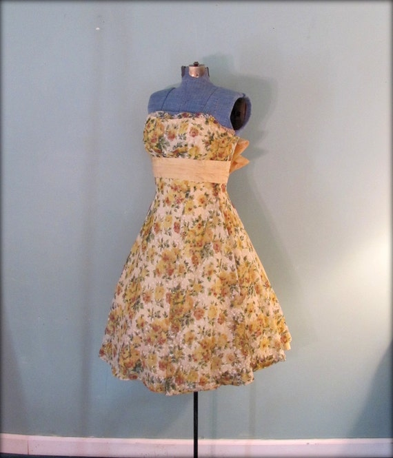 1950s Yellow Sunflower Print Tea Length Prom Party Summer Dress Size Small  SALE