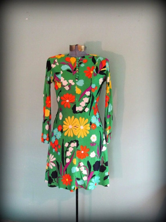 1960s Green Floral Print Hippy Dress Size Medium