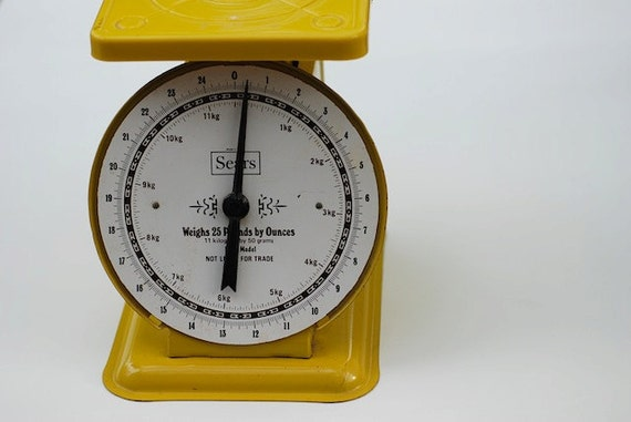 Vintage Sears Scale, Vintage Scale, Vintage 1970 Scale, Yellow Kitchen Scale, Scale for Measuring Food, Retro Home Decor, Gift For MOM,