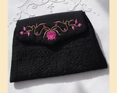 evening purse in black quilted silk with 'flowers and leaves' design