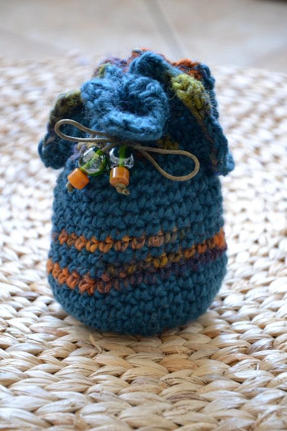 Kingfisher : crocheted little pouch (OOAK)