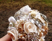 Brooch Bridal Bouquet, Custom,Vintage, heirloom, Wedding, Medium, Bridal, Rhinestones Pearls Crystals Fabric Flower Bouquet, weddings