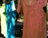 Hand pulled etch a sketch screen printed shirt (brown)